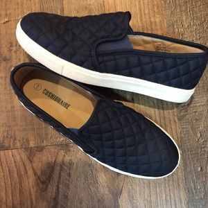 Shoes - Women's slip on shoes size 11w!
